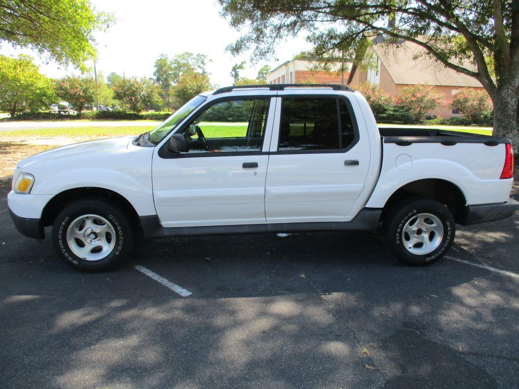2004 Ford Sport Trac >> Check Out This 2004 Ford Explorer Sport Trac Xls Should I Get It