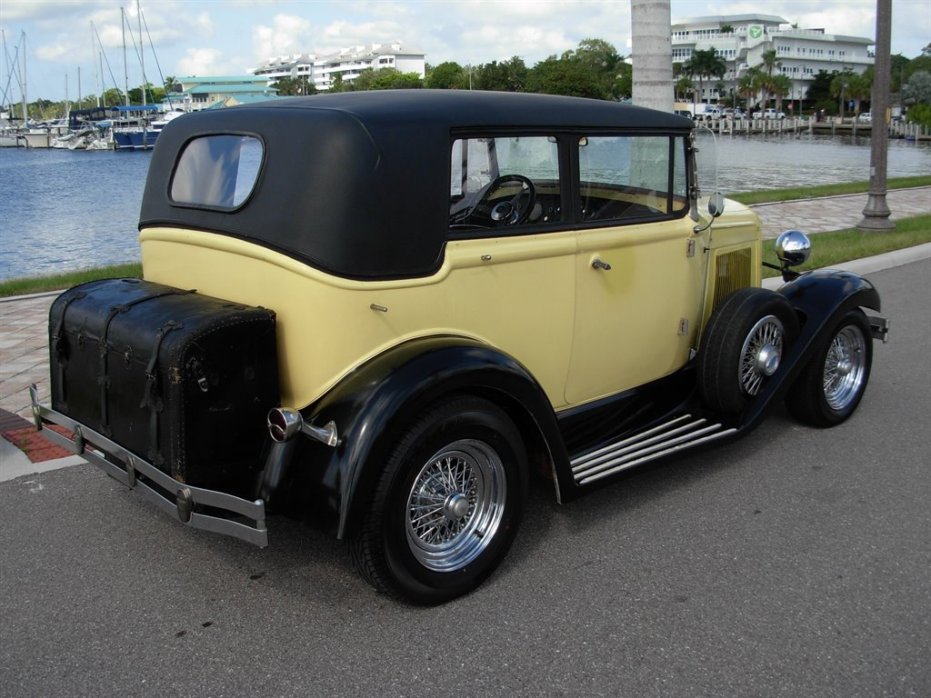 1931 Ford Tudor Roadster 19