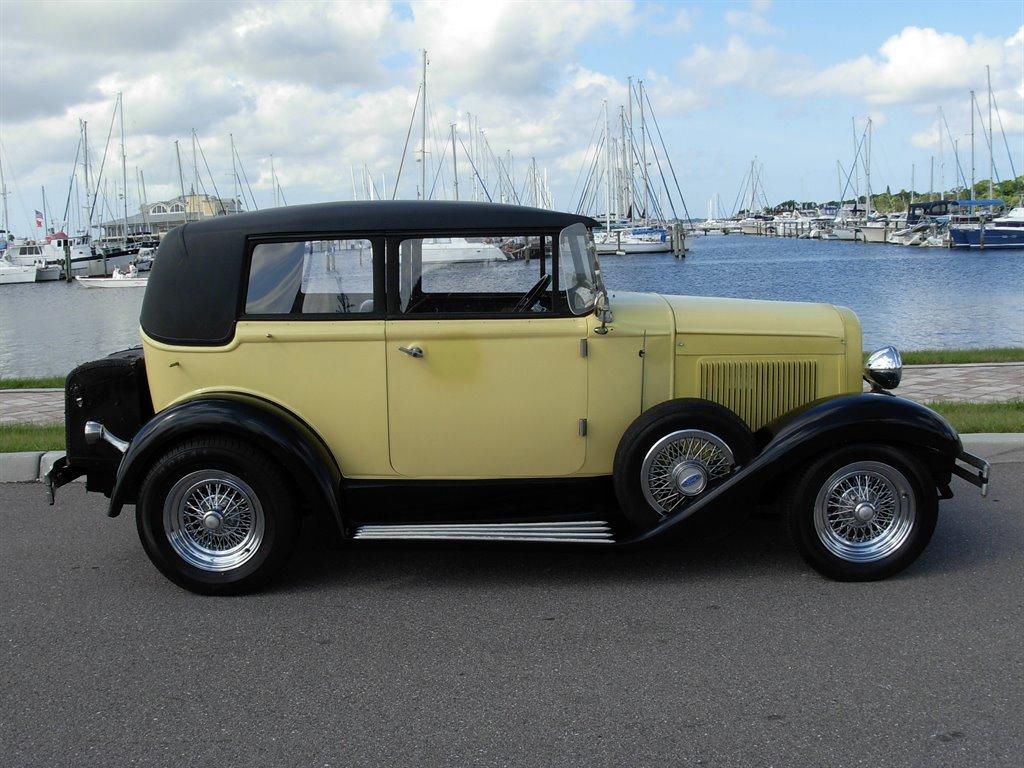 1931 Ford Tudor Roadster 20
