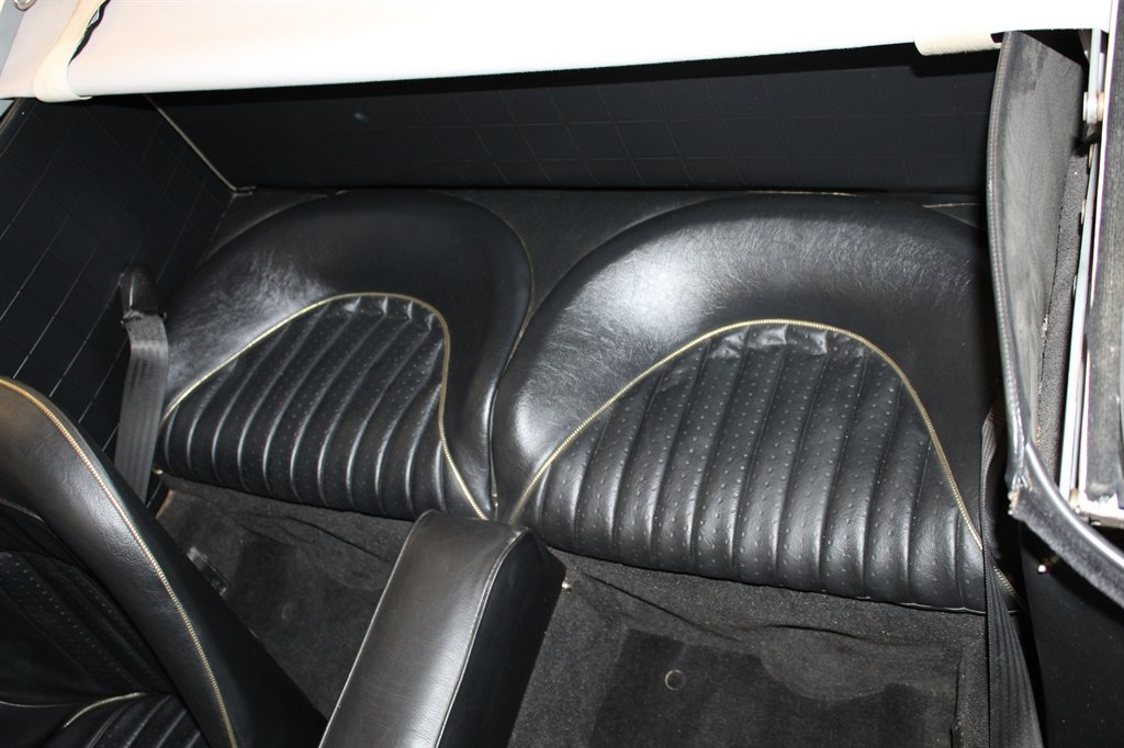 1967 Austin-Healey 3000 29