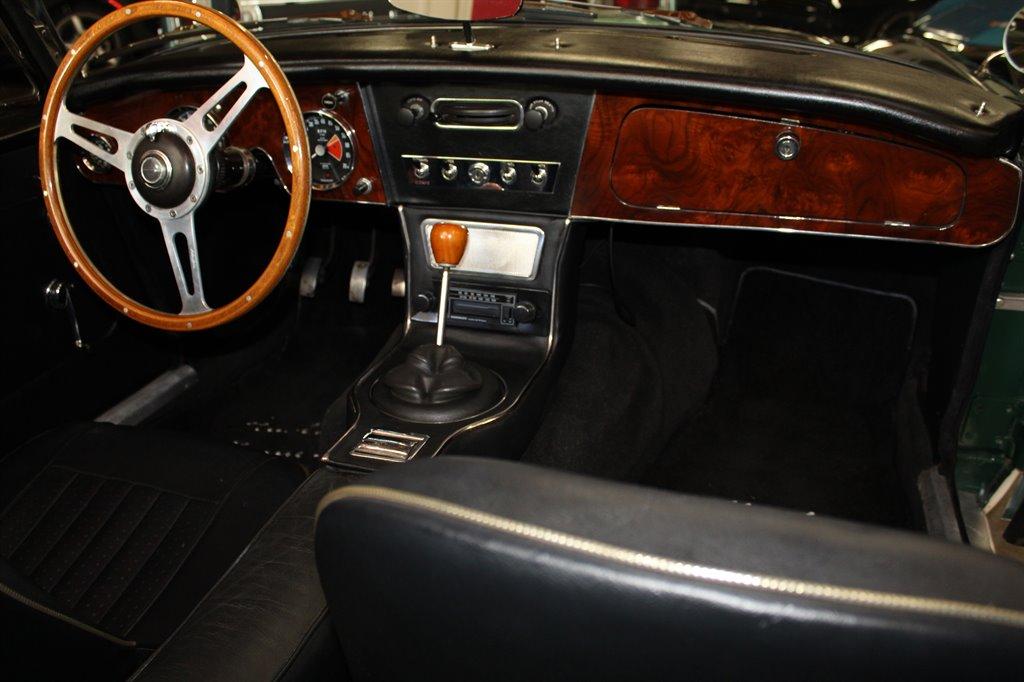 1967 Austin-Healey 3000 23