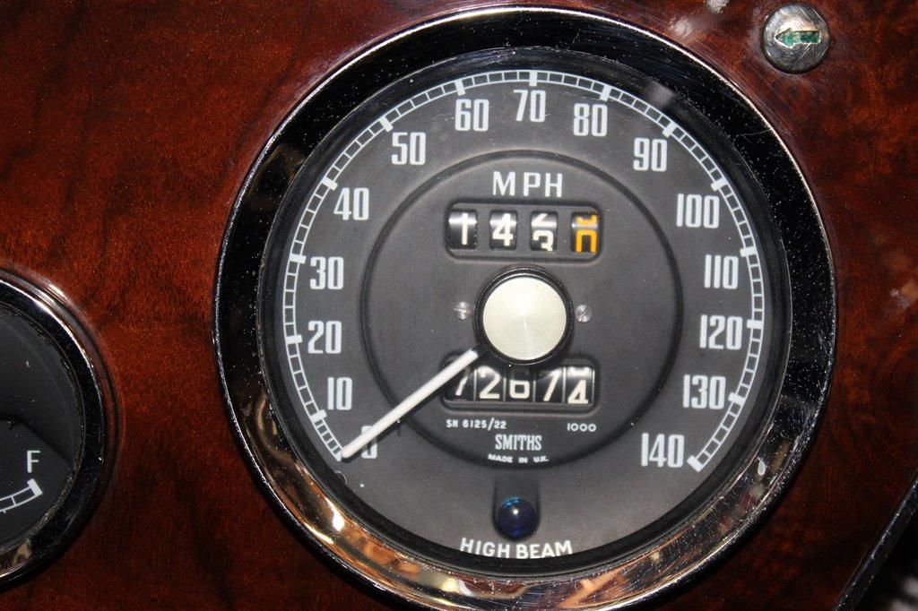 1967 Austin-Healey 3000 25