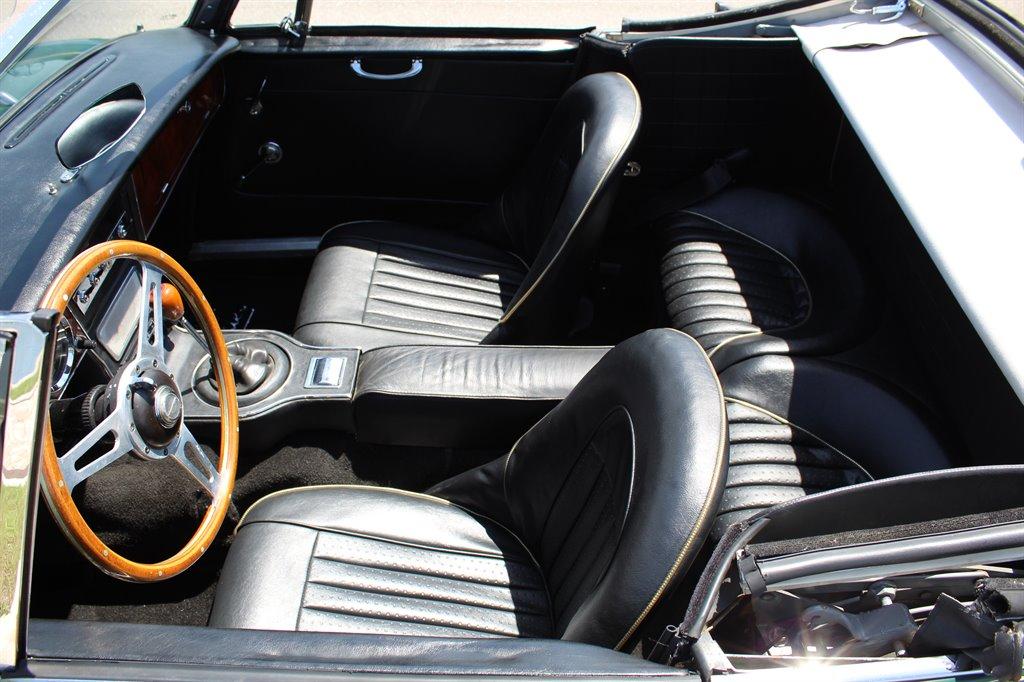 1967 Austin-Healey 3000 19