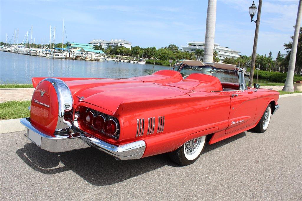 1960 Ford Thunderbird 7