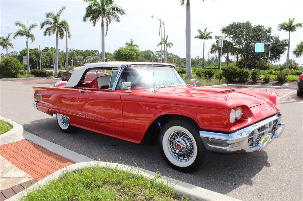 1960 Ford Thunderbird 17