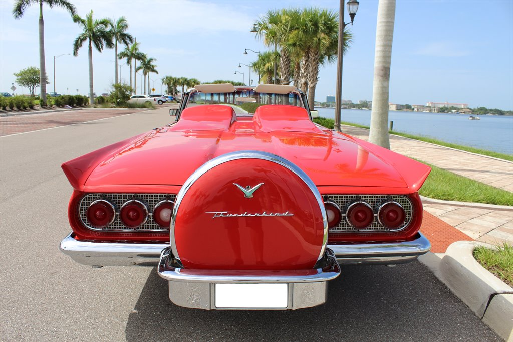 1960 Ford Thunderbird 6