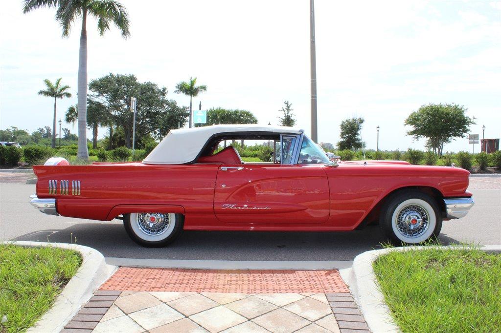 1960 Ford Thunderbird 16