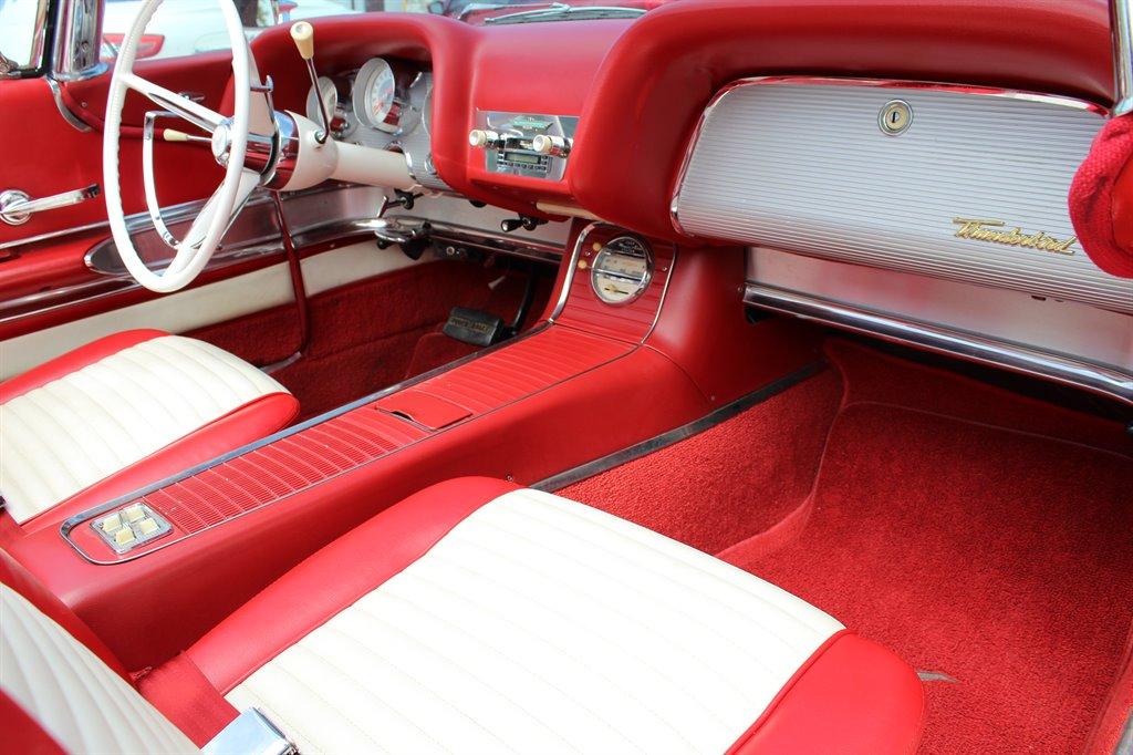 1960 Ford Thunderbird 25