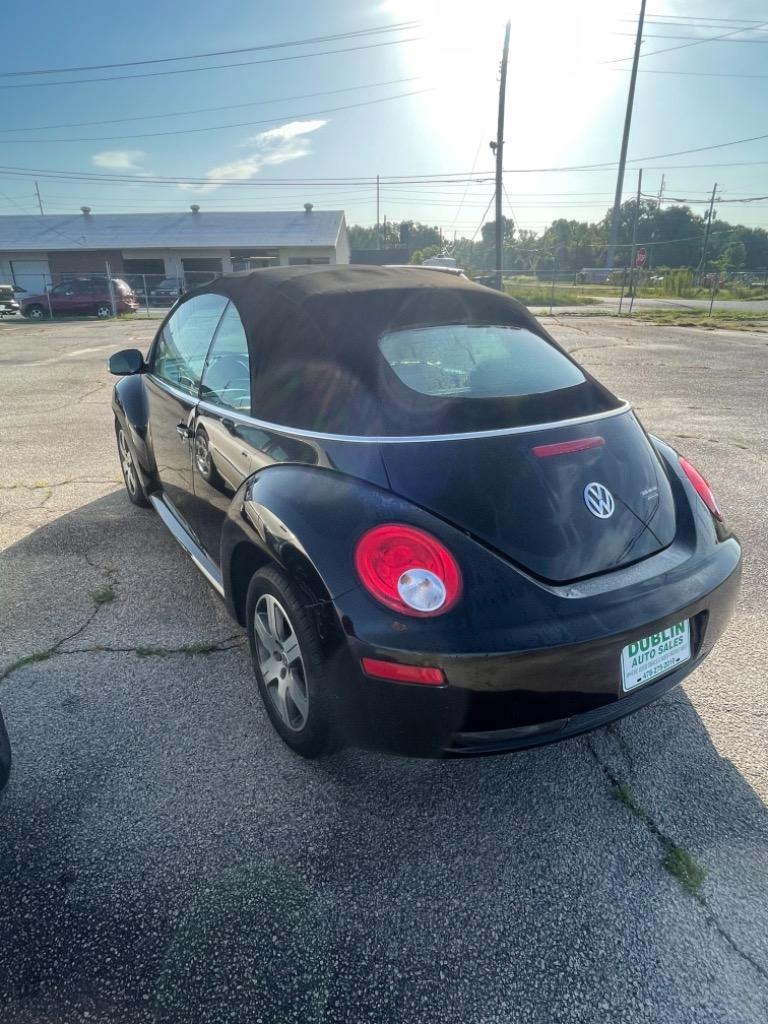 2008 Volkswagen New Beetle S photo