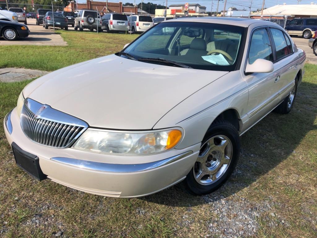 2002 Lincoln Continental photo