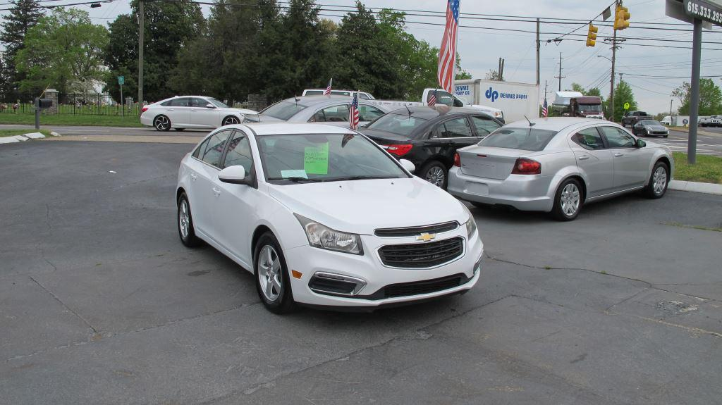 The 2016 Chevrolet Cruze Limited  photos