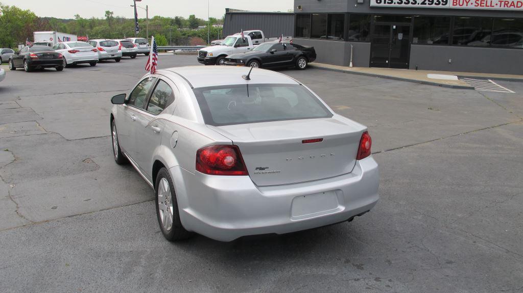 2012 Dodge Avenger SE photo
