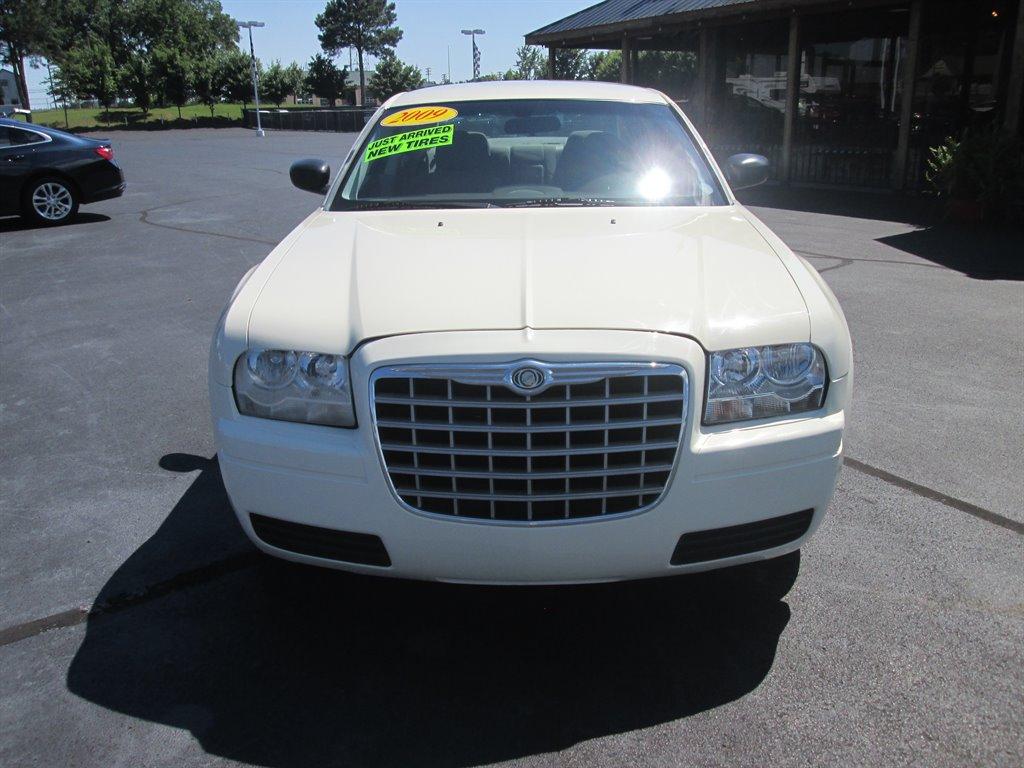 2009 Chrysler 300 LX photo