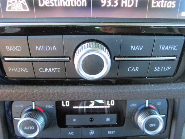 2017 Volkswagen Touareg Sport AWD VR6 photo