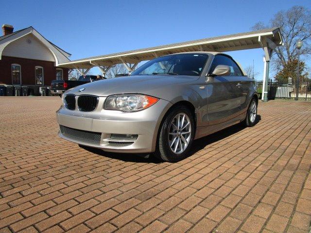 2011 BMW Legend 128i photo