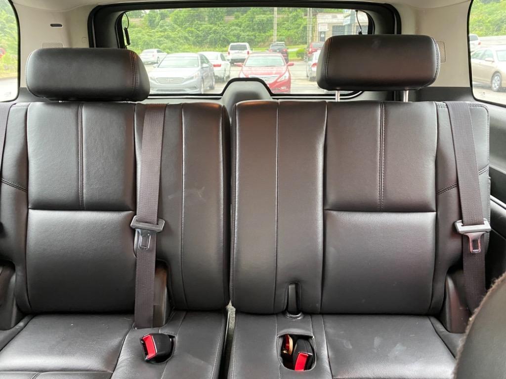 2008 Chevrolet Suburban LT 1500 photo