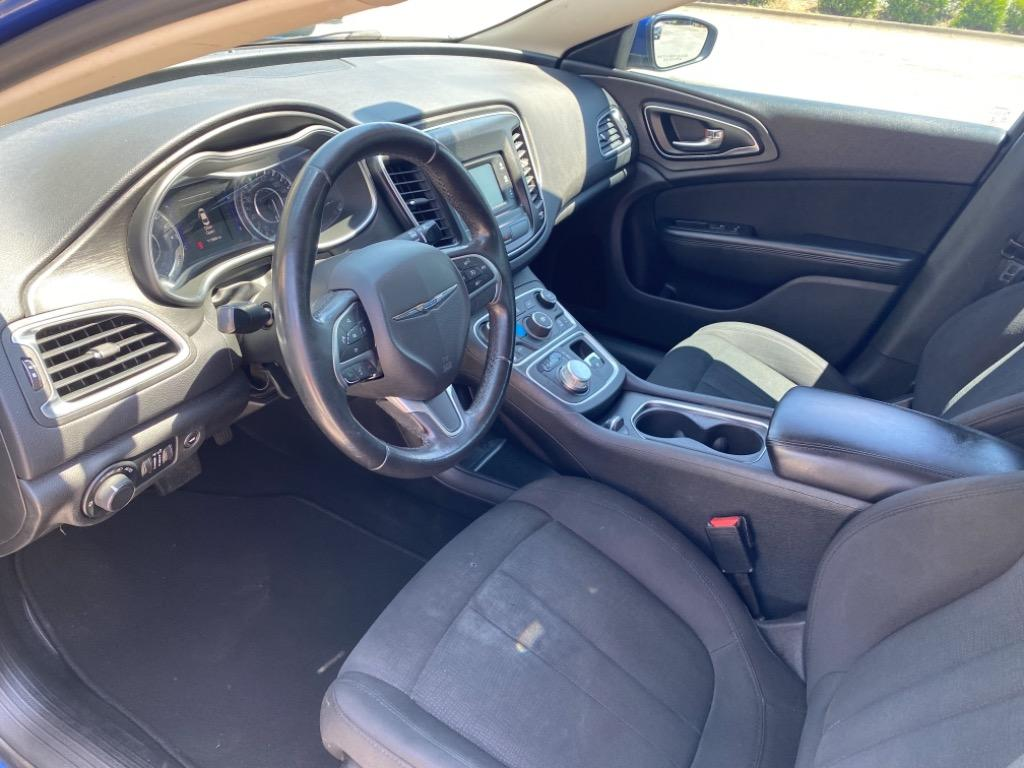 2016 Chrysler 200 Limited photo