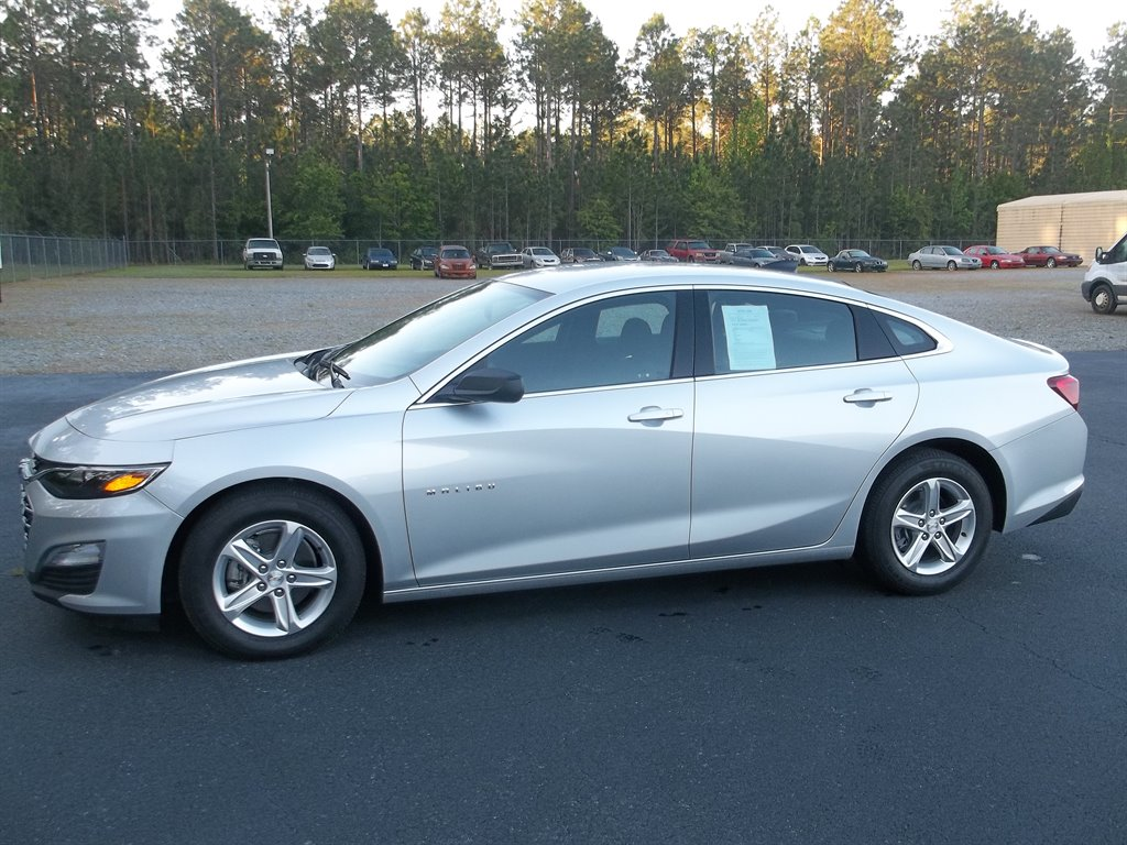 2021 Chevrolet Malibu LS photo