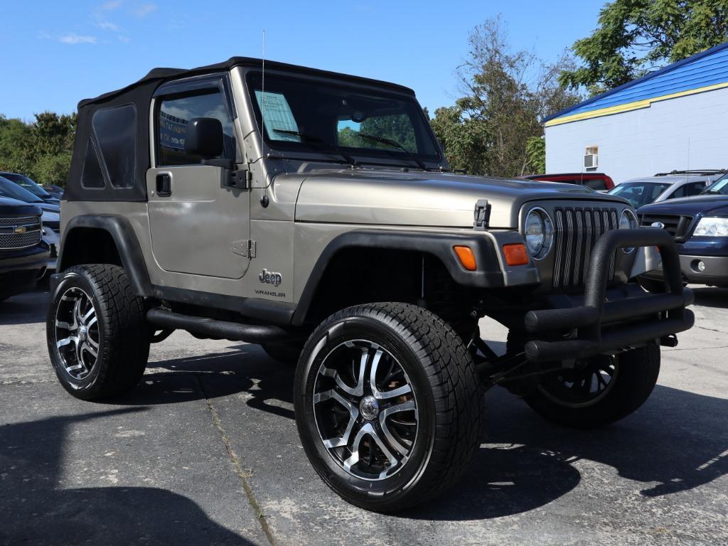 The 2005 Jeep Wrangler X photos