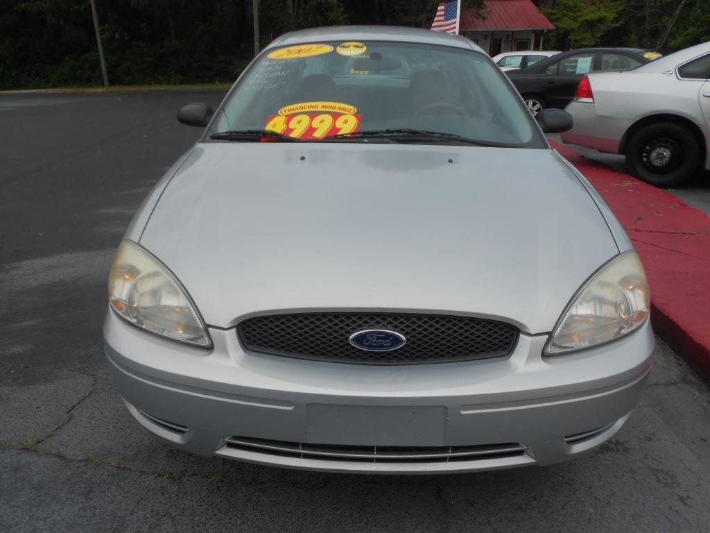 2007 Ford Taurus SE photo