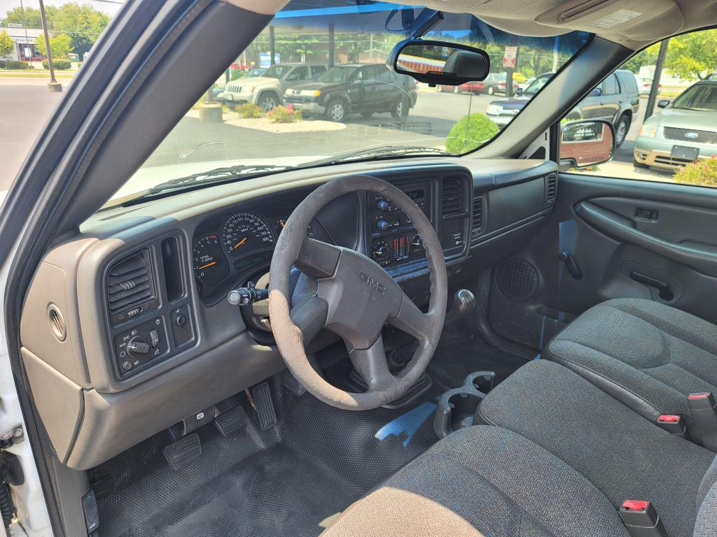 2003 GMC Sierra 1500 photo