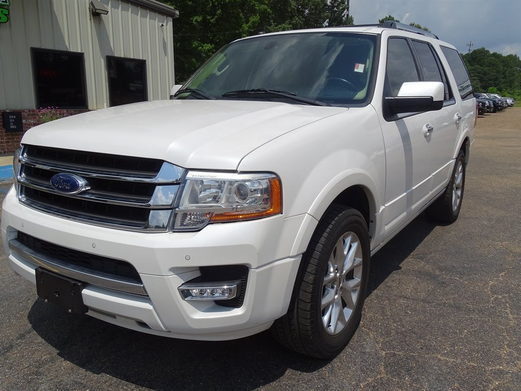The 2016 Ford Expedition Limited photos