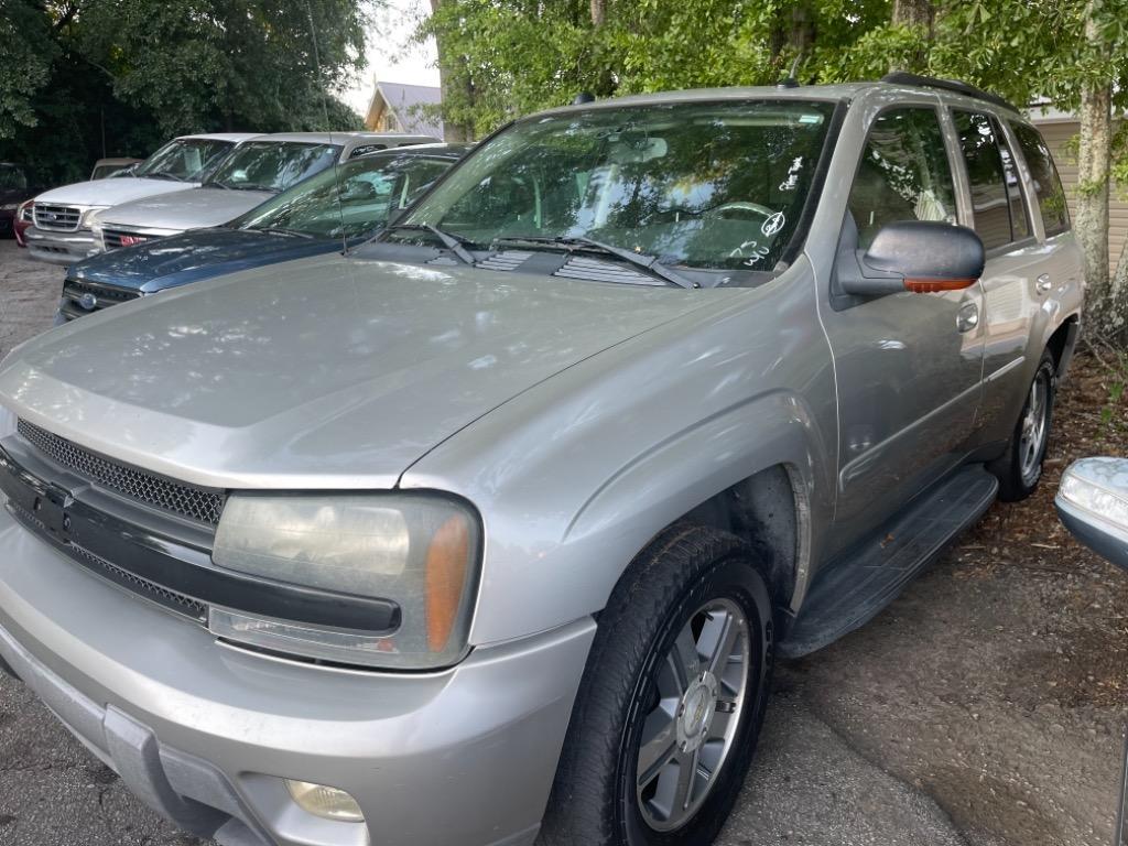 The 2005 Chevrolet Trailblazer LS photos