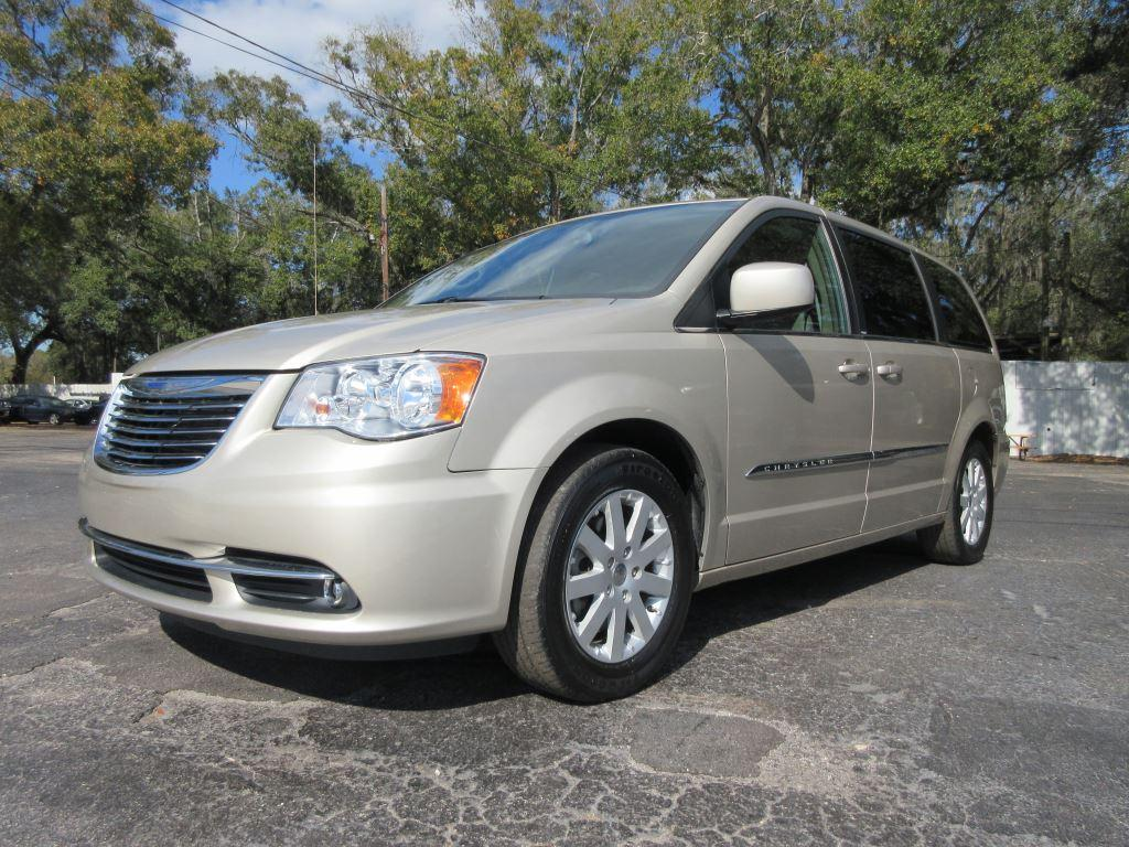 2014 Chrysler Town & Country Touring photo