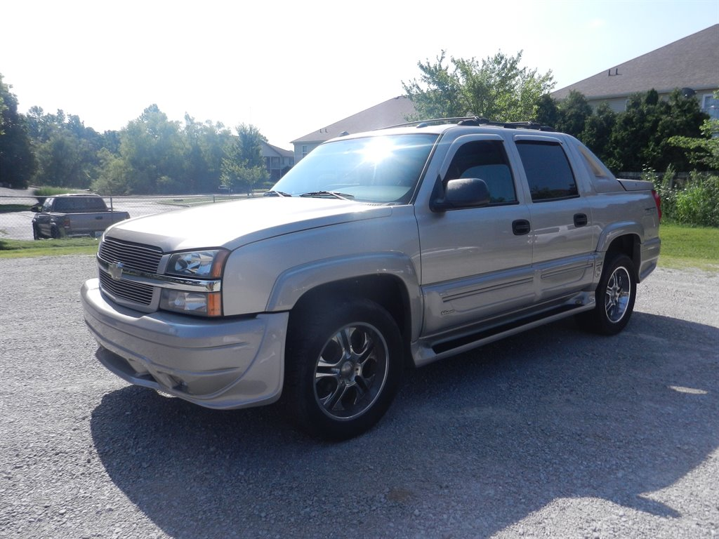 2004 Chevrolet Avalanche 1500 photo
