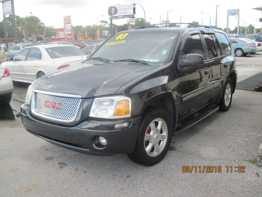 The 2003 GMC Envoy SLE