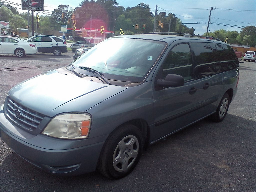 2005 Ford Freestar SE photo