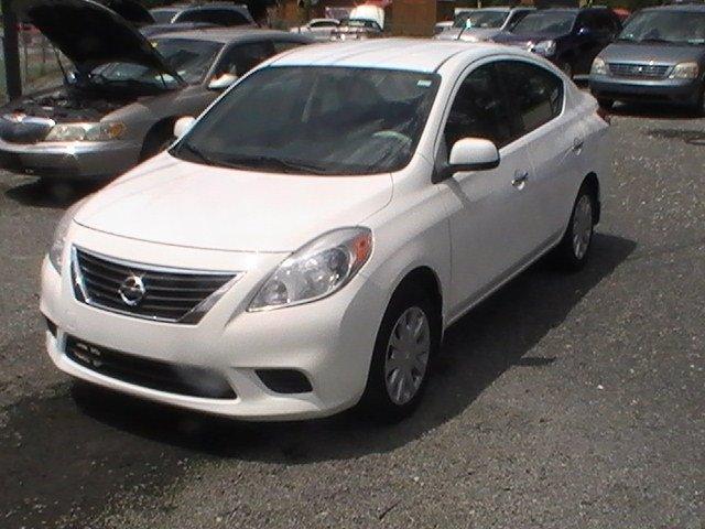 2012 Nissan Versa 1.6 S photo