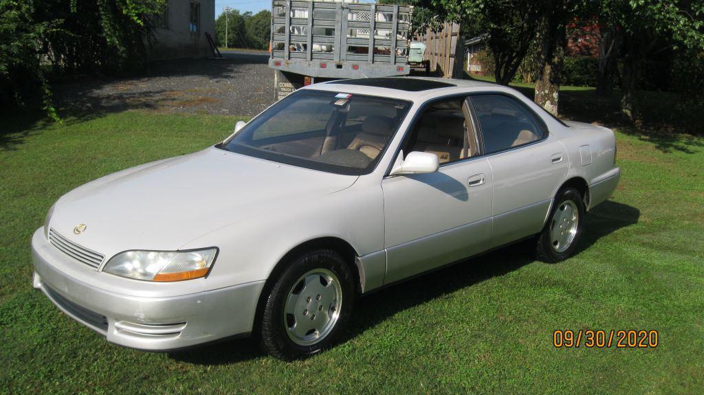 1994 Lexus ES 300 photo
