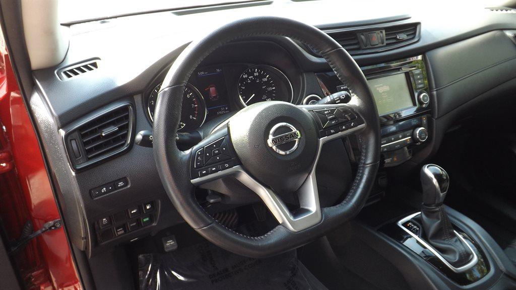 2018 Nissan Rogue AWD SV photo