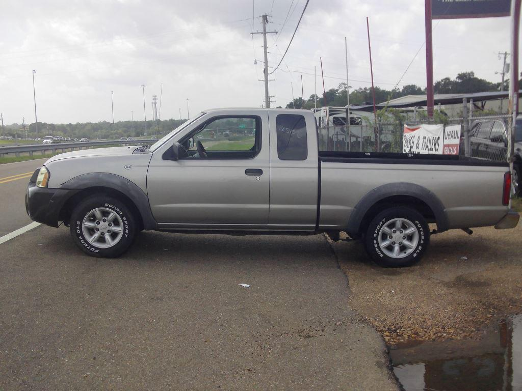 2002 Nissan Frontier XE photo