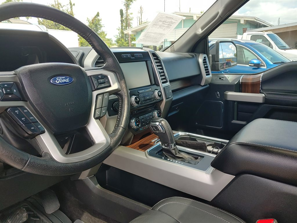 2015 Ford F150 Lariat photo