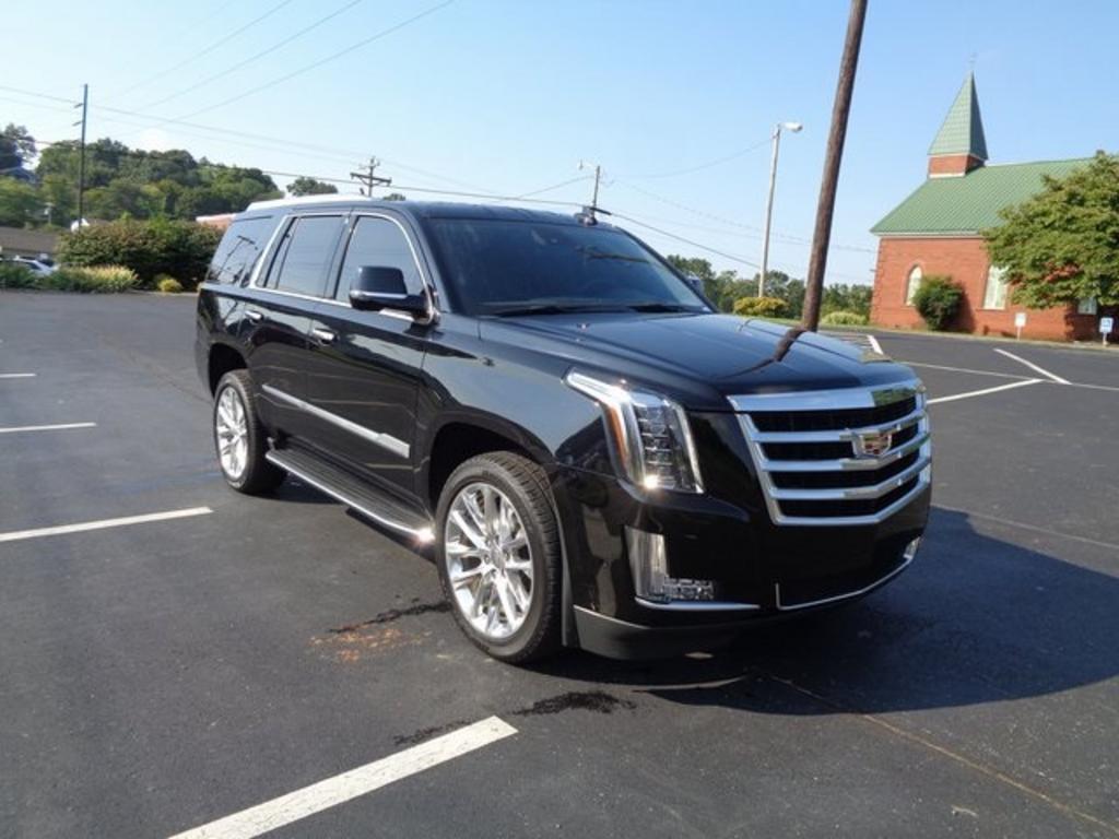 2020 Cadillac Escalade Luxury photo