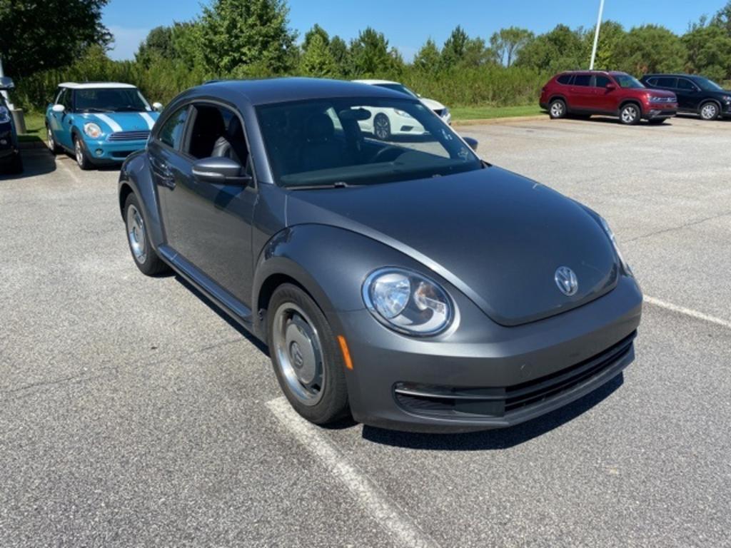 2012 Volkswagen Beetle 2.5 photo