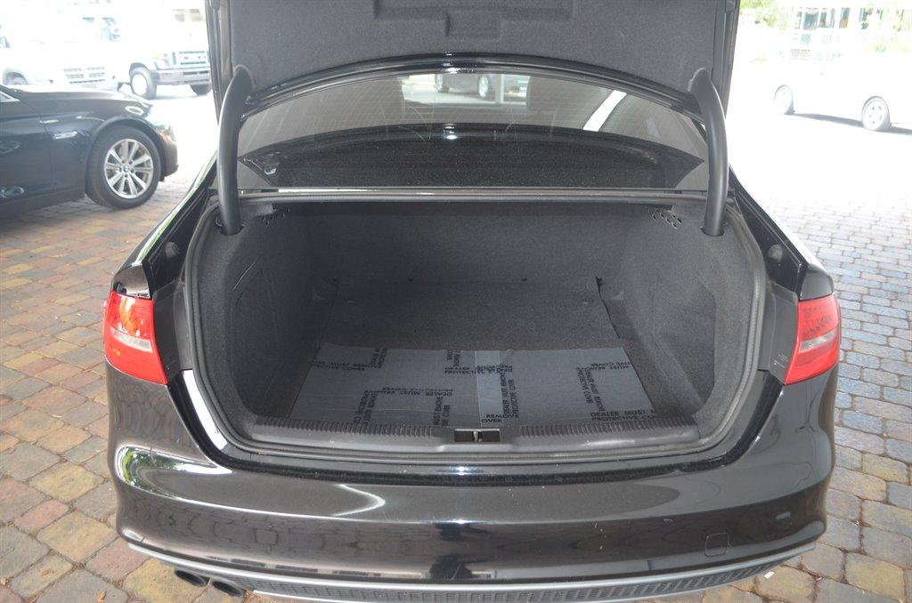 2014 Audi A4 2.0T Premium photo