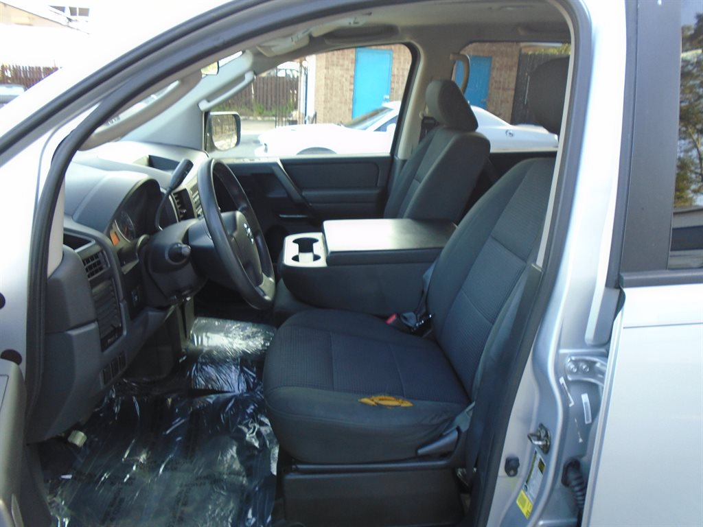 2011 Nissan Titan S photo