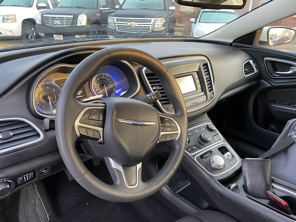 2015 Chrysler 200 Limited photo