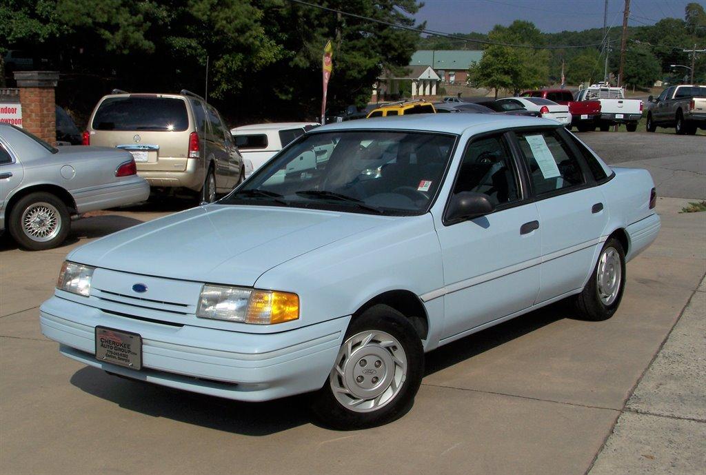 The 1992 Ford Tempo GL photos