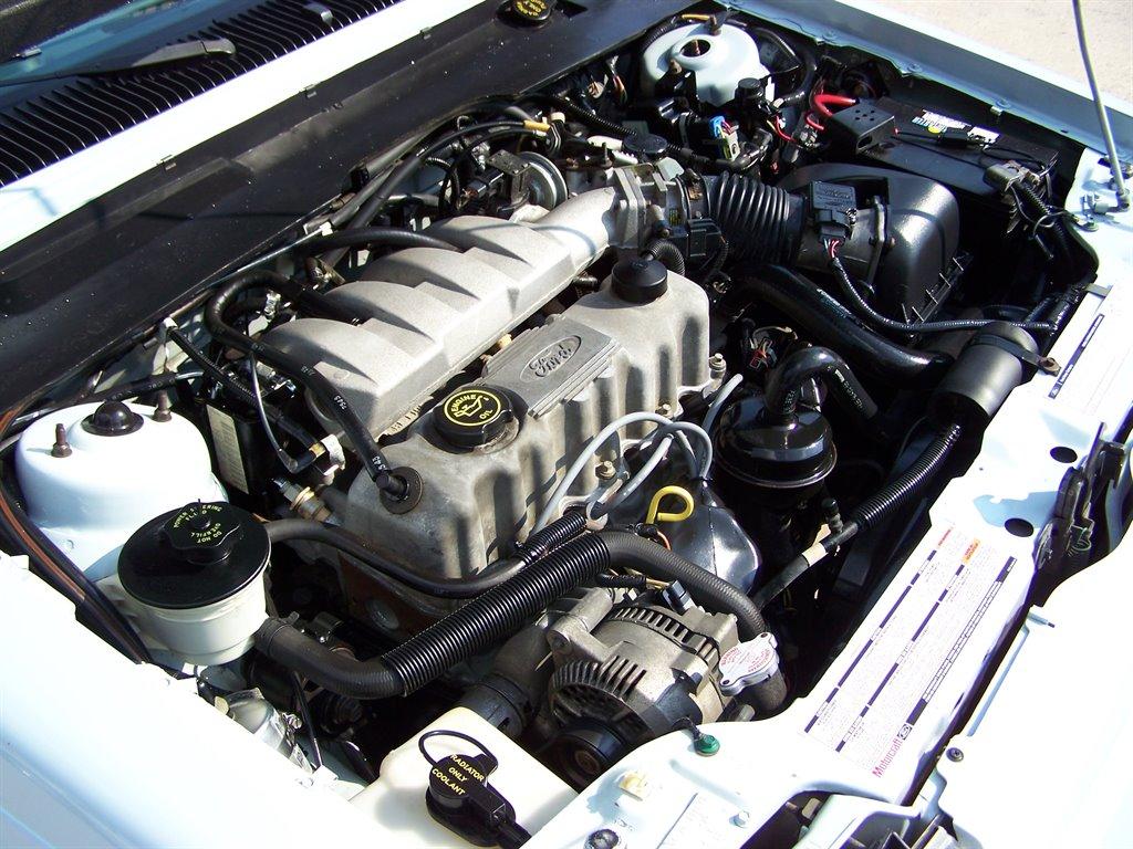 1992 Ford Tempo GL photo
