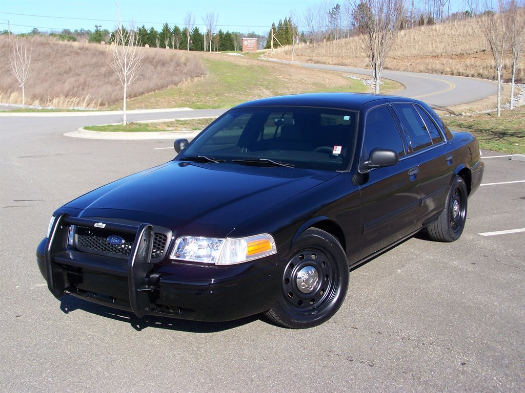 2010 Ford Crown Victoria Police Interceptor photo