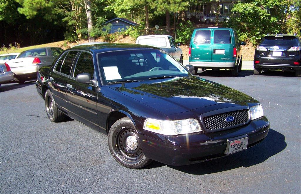 2002 Ford Crown Victoria Police Interceptor photo