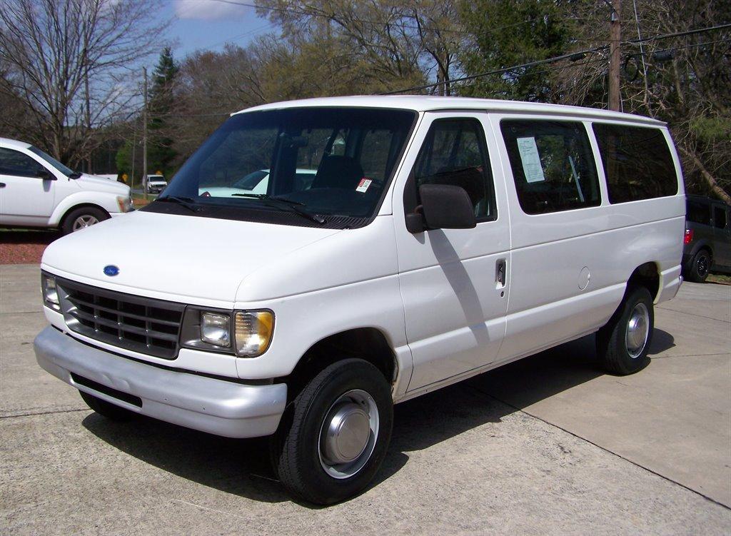 1993 Ford E-350 Custom photo
