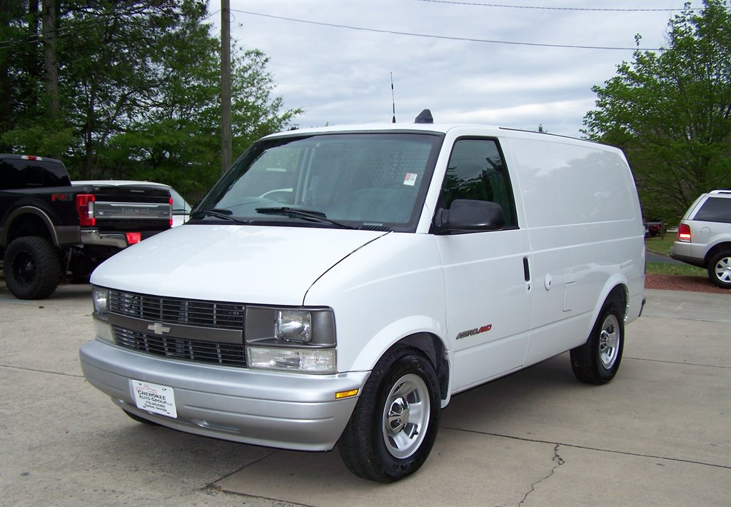 2000 Chevrolet Astro photo