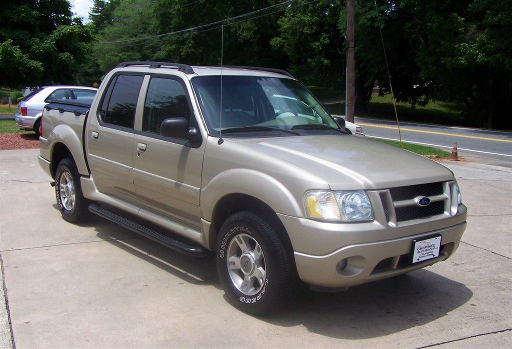 2004 Ford Explorer Sport Trac XLS photo