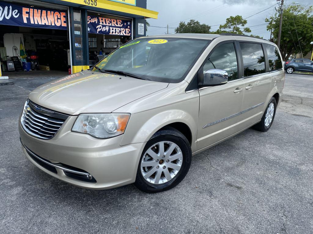 2012 Chrysler Town & Country Touring-L photo