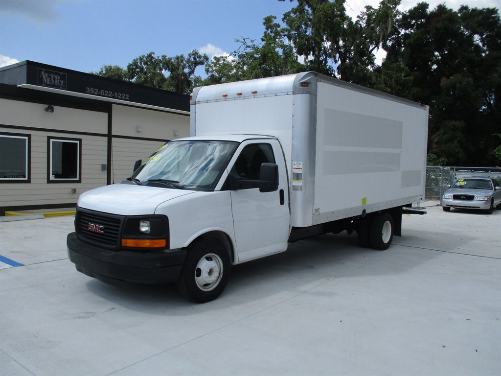 2012 GMC Commercial Vans G3500 Series photo